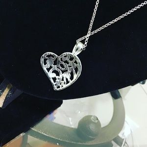 Jewelry - Silver plated heart pendant necklace💎🎁
